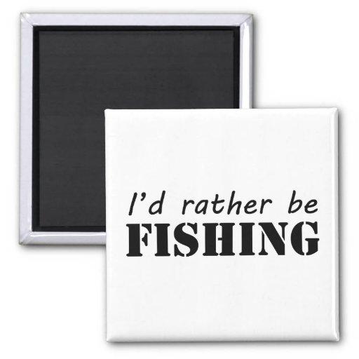 Estaría pescando bastante imanes de nevera
