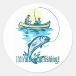 ¡Estaría pescando bastante! Pegatina Redonda