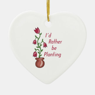Estaría plantando bastante adorno navideño de cerámica en forma de corazón