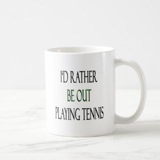 Estaría realizando bastante tenis taza
