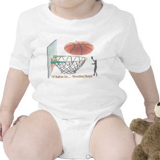 Estaría tirando bastante aros traje de bebé