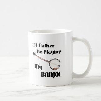 Estaría tocando bastante mi banjo taza