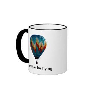 Estaría volando bastante la taza de café del globo