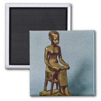 Estatua asentada de Imhotep que sostiene un abiert Iman Para Frigorífico
