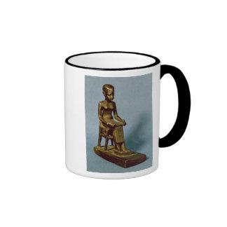 Estatua asentada de Imhotep que sostiene un abiert Tazas De Café