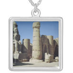Estatua asentada de Ramesses II Collar Plateado
