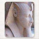 Estatua colosal de Ramesses II en Memphis, Egipto Alfombrilla De Ratón