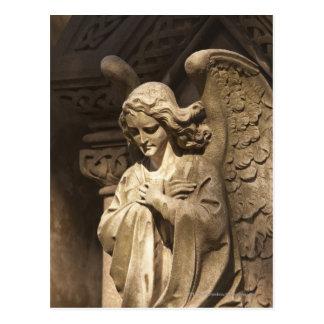 Estatua con las manos cruzadas, Buenos Aires del Tarjetas Postales