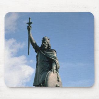 Estatua de Alfred el grande Alfombrilla De Ratones