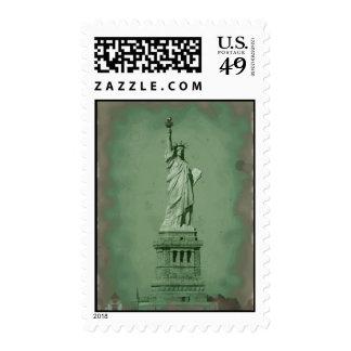 Estatua de arte pop de los sellos de la libertad