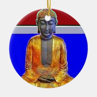 Estatua de Buda en oro por Sharles Adorno Redondo De Cerámica
