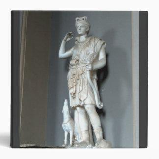 Estatua de Diana (Artemis) en el Vatican en el laz
