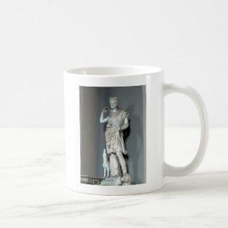 Estatua de Diana (Artemis) en el Vatican en Roma Taza Clásica