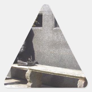 Estatua de Eleanor Rigby, Liverpool Reino Unido Pegatina Triangular