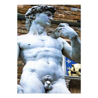Estatua de Florencia de David con cita del amor Comunicado