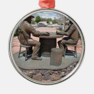 Estatua de juego del vaquero adorno redondo plateado