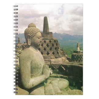 Estatua de la campana de Buda, templo de Borobodur Libreta Espiral