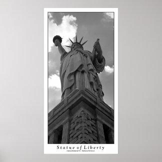 Estatua de la impresión de la libertad póster