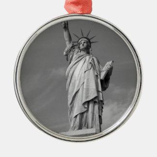 Estatua de la libertad 3 adorno navideño redondo de metal