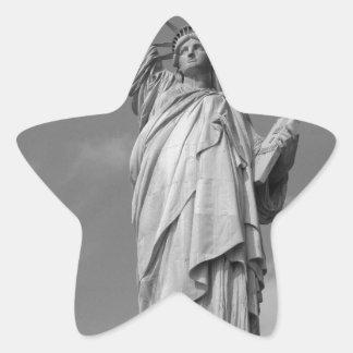 Estatua de la libertad 3 pegatina en forma de estrella
