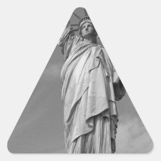 Estatua de la libertad 3 pegatina triangular