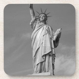 Estatua de la libertad 3 posavasos de bebida