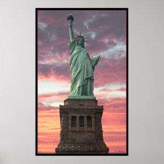 Estatua de la libertad/de la puesta del sol póster