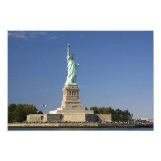 Estatua de la libertad en la isla de la libertad e arte fotográfico