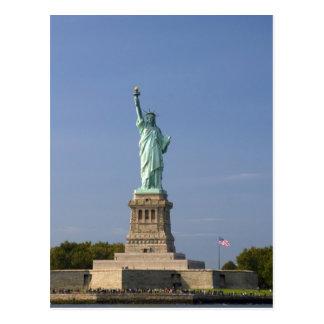 Estatua de la libertad en la isla de la libertad e postal