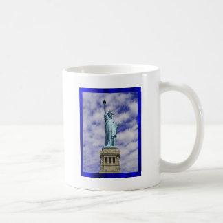 Estatua de la libertad isla de Ellis Nueva York Tazas