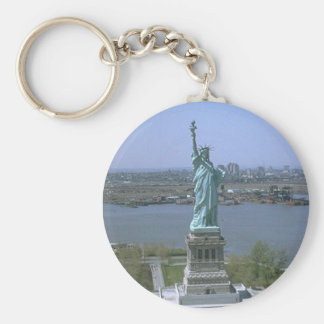 Estatua de la libertad llavero redondo tipo pin