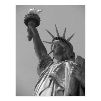 Estatua de la libertad negra y blanca New York Postal