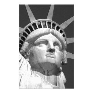 Estatua de la libertad negra y blanca personalized stationery