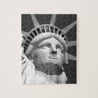Estatua de la libertad negra y blanca puzzles con fotos