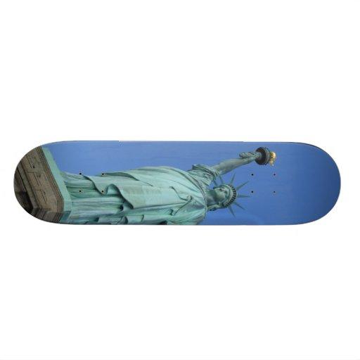 Estatua de la libertad monopatines