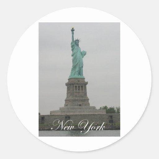Estatua de la libertad pegatina redonda