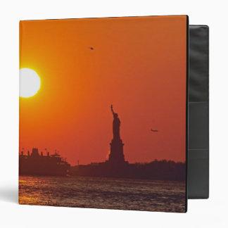 Estatua de la libertad, puerto de Nueva York, NY,