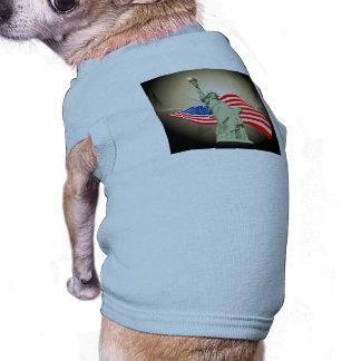 Estatua de la libertad camisa de perrito