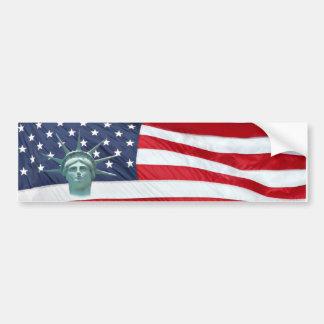 Estatua de la libertad y de la bandera americana pegatina de parachoque