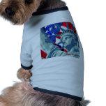 Estatua de la libertad y de la bandera americana p prenda mascota