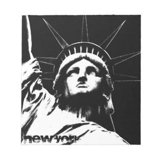 Estatua de la libreta del recuerdo de Nueva York d Bloc