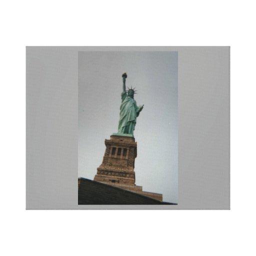 Estatua de la lona envuelta de la libertad impresiones en lona estiradas