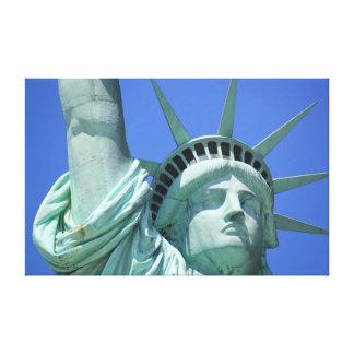 Estatua de la lona envuelta de la libertad impresiones de lienzo