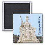 Estatua de la reina Victoria del palacio de Kensin Imán