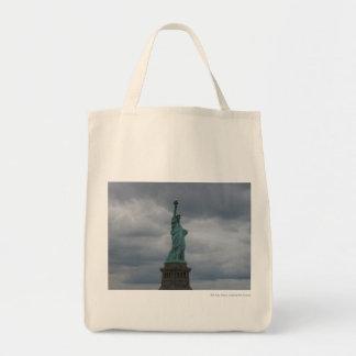 Estatua de la vista lateral de la libertad bolsas lienzo