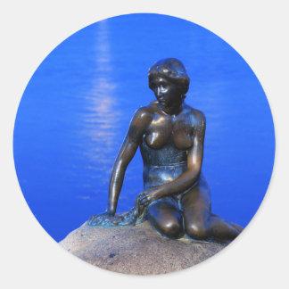 Estatua de little mermaid, Copenhague, Dinamarca Pegatina Redonda