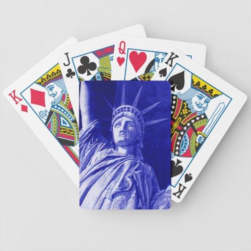 Estatua de los naipes de la libertad cartas de juego