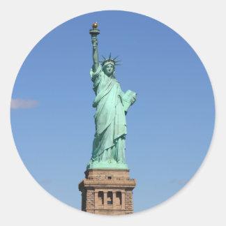 Estatua de los pegatinas de la libertad etiquetas redondas