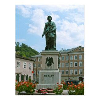 Estatua de Mozart en Salzburg Postal