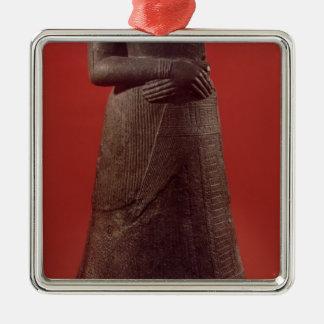 Estatua de Napirasu, esposa del rey de Elamite Adorno Cuadrado Plateado